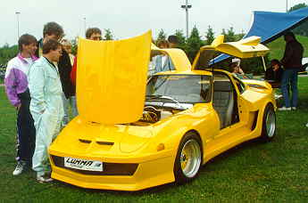 Yellow Gullwing GT